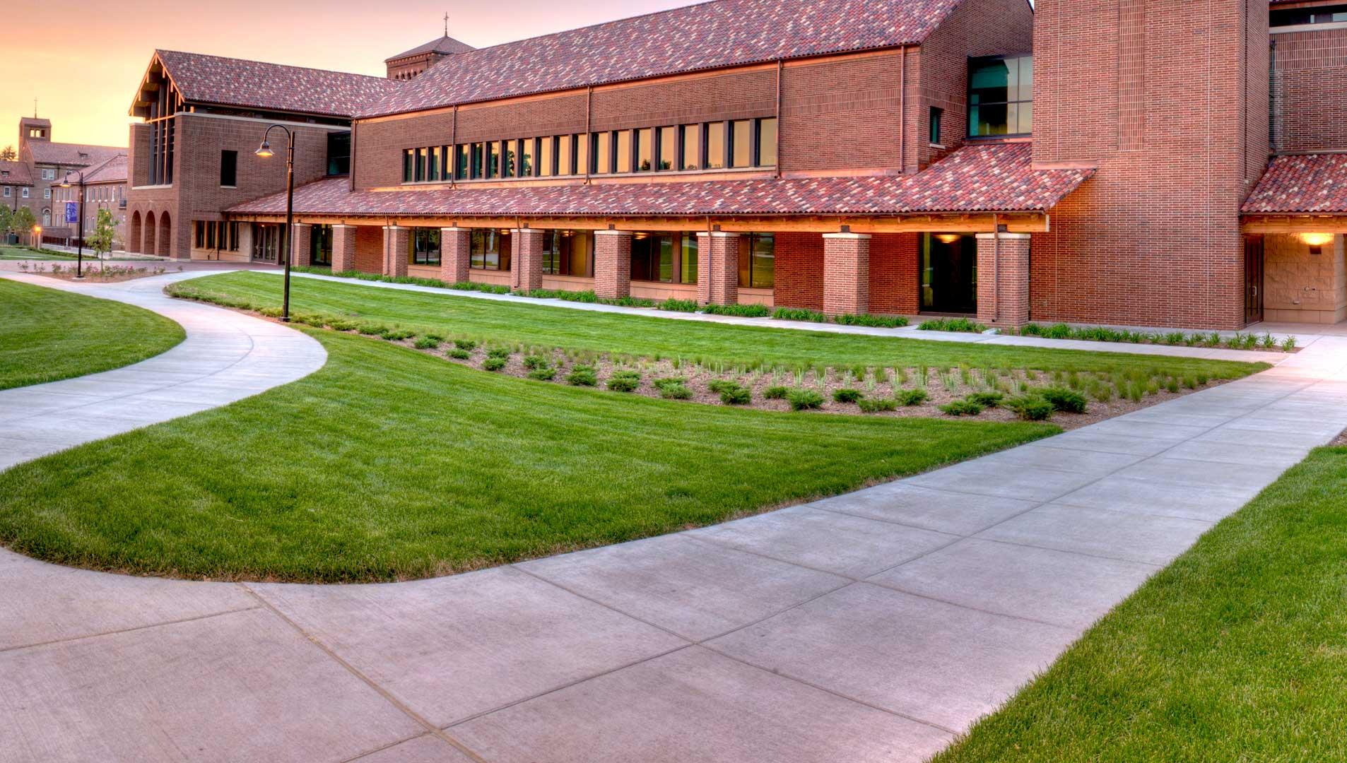 University Northwestern St Paul campus